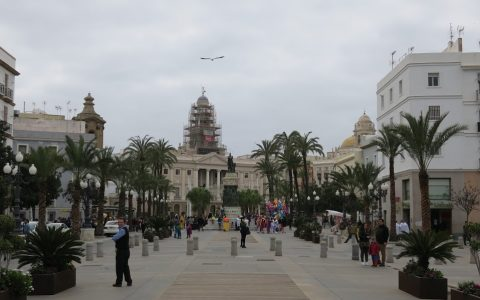 Cadiz-main-center
